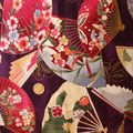 japonais éventail sur fond violet