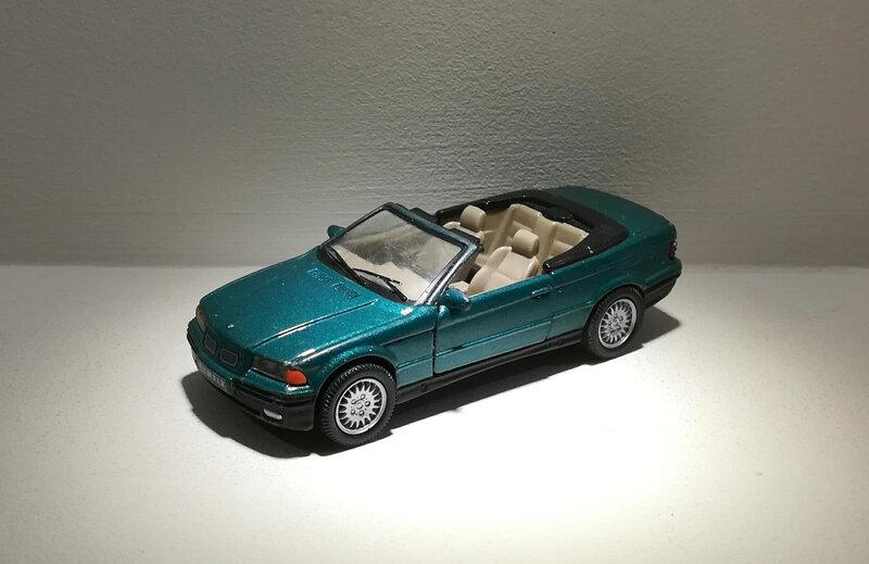Bmw 325 I Cabriolet (Cararama)