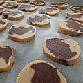 Préparation de biscuits marbrés