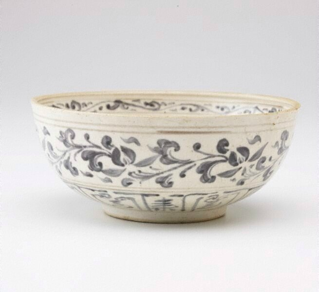 Bowl, Vietnam, Lê dynasty (circa 1420-1787) , late 15th century, stoneware with blue design, 8