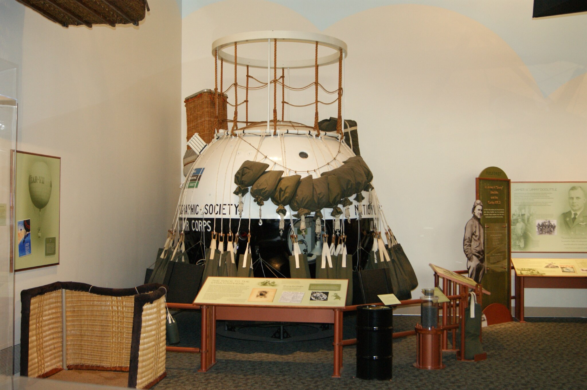 Air and Space Museum bis (140)