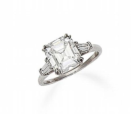 A_diamond_solitaire_ring__Harry_Winston