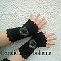 Mitaines noires en laine crochet faite-main hiver disponible * shop boutique coraliezabo etsy
