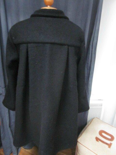 Manteau AGLAE en laine bouillie noire fermé par un noeud - taille 38-40 (1)