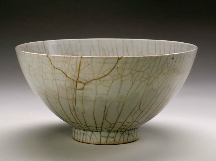 Ge ware bowl, 1426-1435, Ming dynasty (1368-1644), Xuande period. Porcelain. Gift of Miss Hester Bancroft, 1906, E9054 © 2001-2014 The Peabody Essex Museum.
