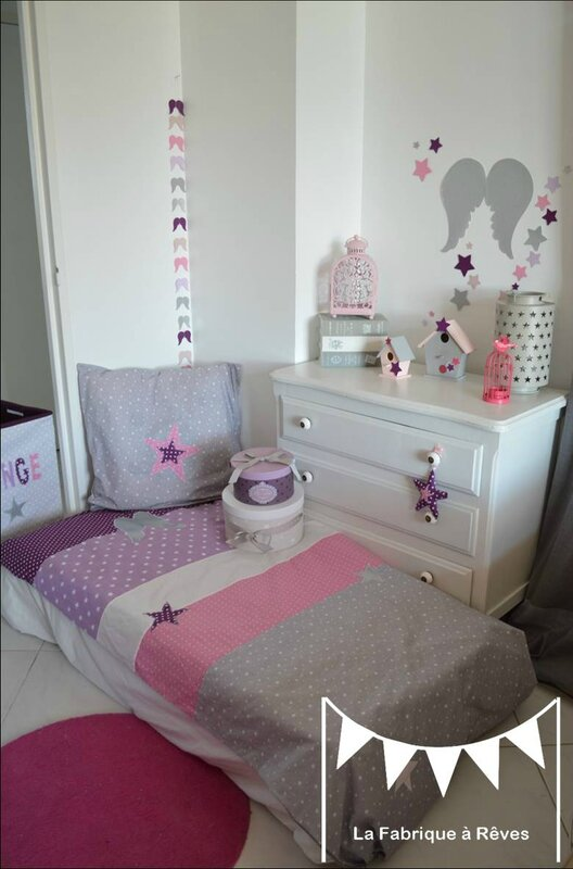 d coration chambre b b et linge de lit parme violet rose vif et argent toiles ailes anges. Black Bedroom Furniture Sets. Home Design Ideas