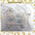 Doudou mouton plat rectangle blanc nuage bleu brioche kimbaloo la halle