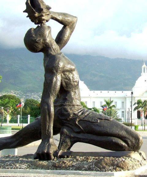 STATUE DE MAKANDALA D'HAITI