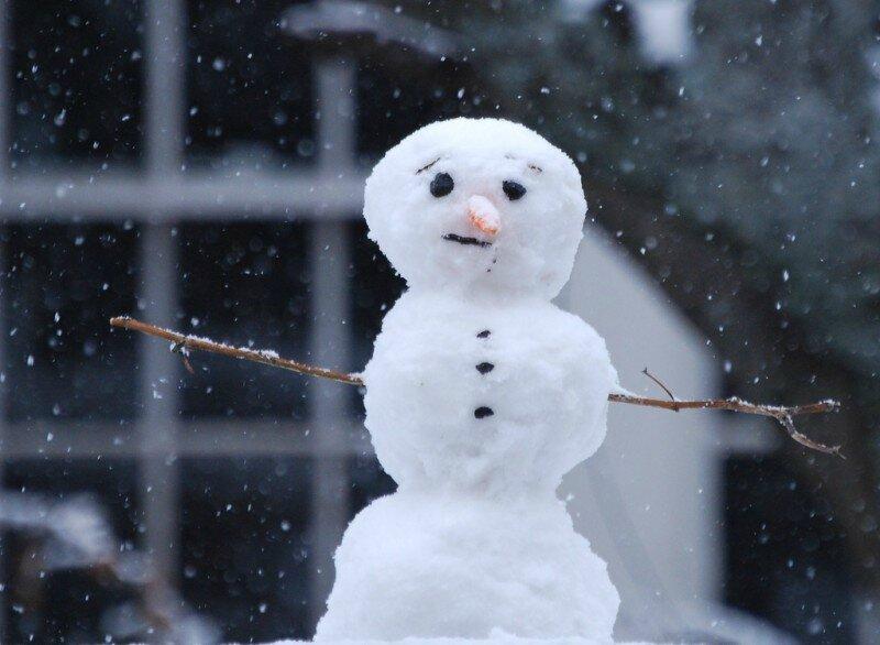 sad-snowman-by-mgshelton-800x586
