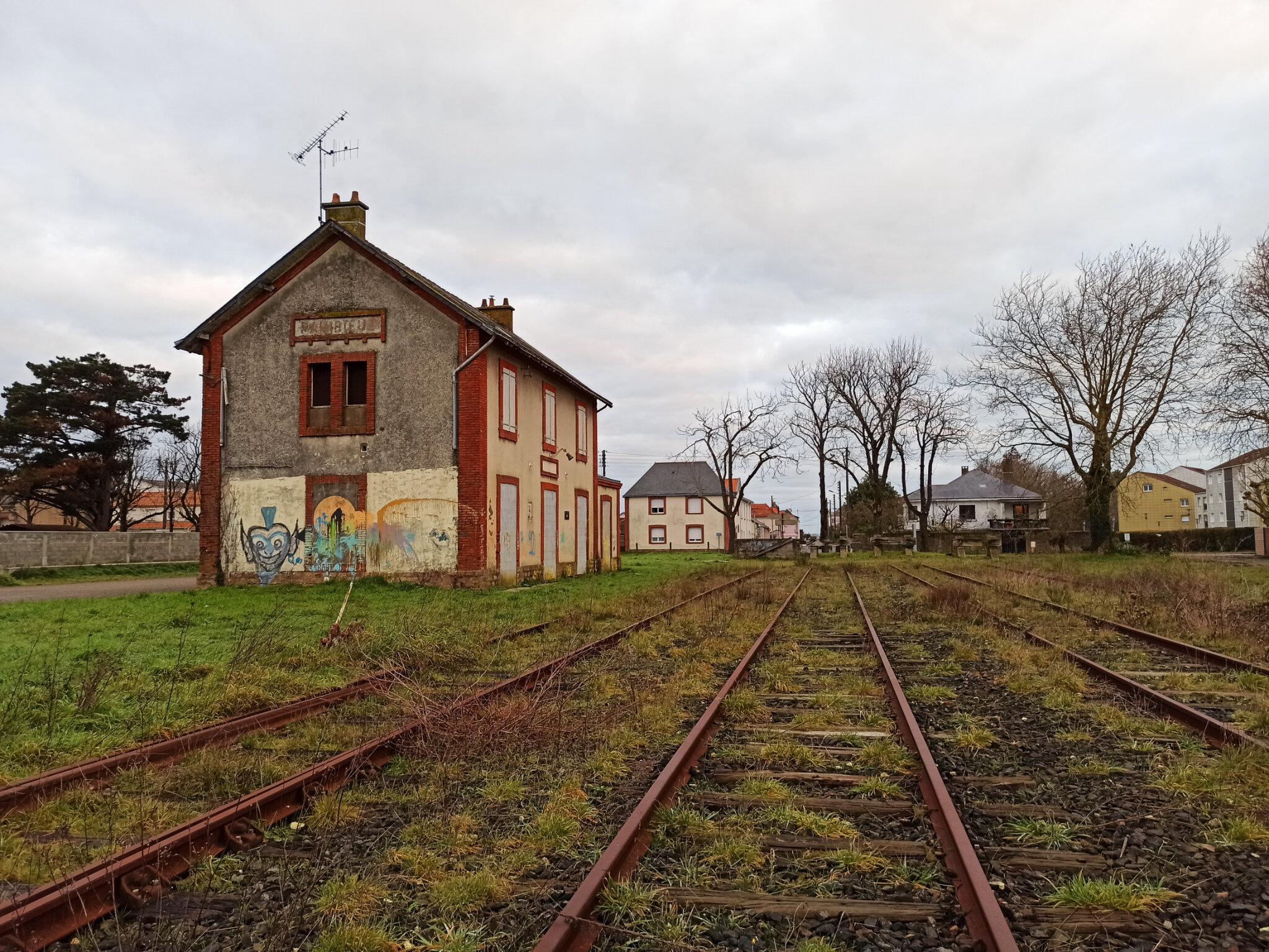 Paimboeuf (Loire-Atlantique - 44) côté voies
