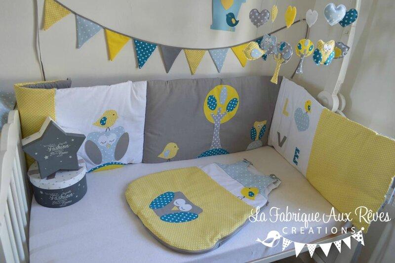 linge lit tour lit gigoteuse hibou arbre feuilles oiseau nichoir bleu ciel jaune bleu pétrôle canard gris