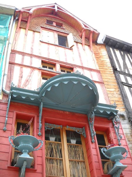 Troyes (46)