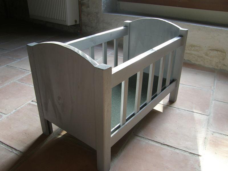 lit en bois pour poupon le p 39 tit raboteur. Black Bedroom Furniture Sets. Home Design Ideas