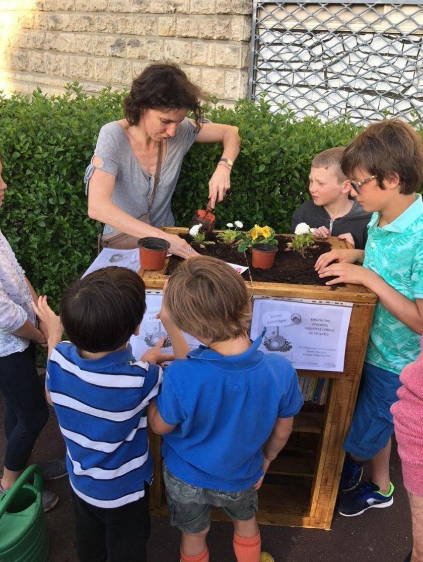 Sceaux : des bacs pour les fleurs, les tomates et les livres