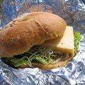Sandwich au fromage et graines germées