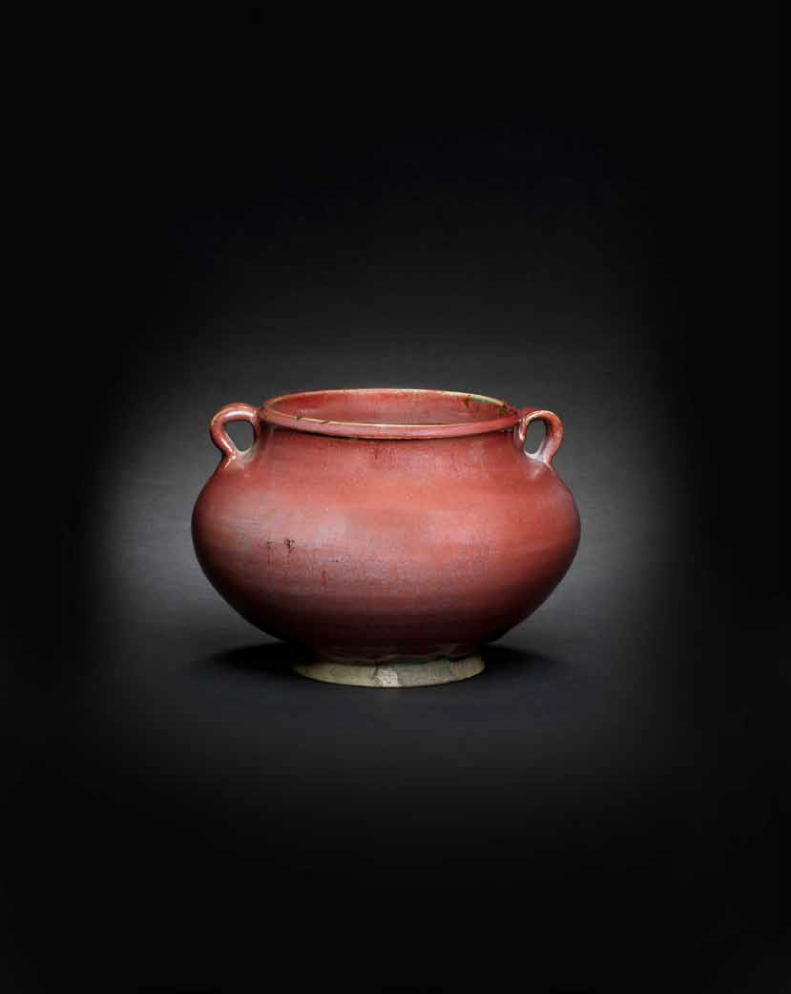 A fine and rare Junyao red-glazed jar, 14th-15th century