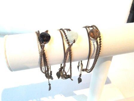 bracelets_perles_fines_naturelles__laiton_et_cha_ne_plaque_et_or_14_carat_pw