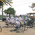 le charme des tenues vietnamiennes