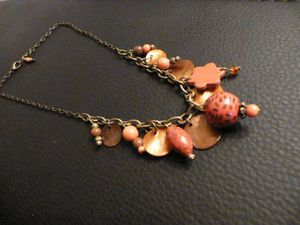 collier breloque orange cuivré 10