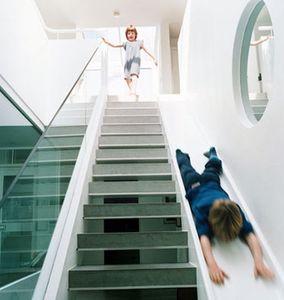 staircase_slide_1RQ2c_48