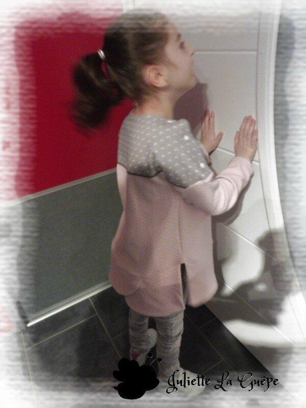 Chatouilleuse legging gris rose étoiles 5