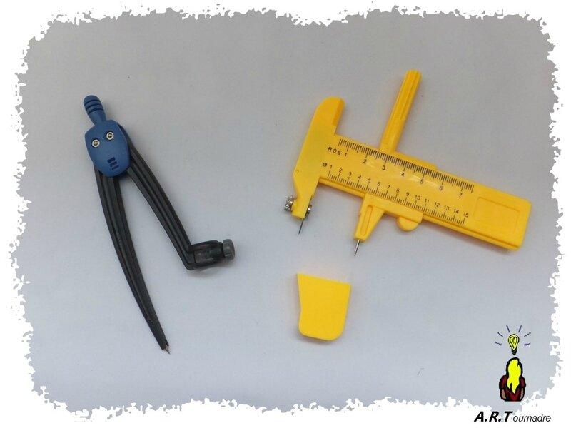 cutter compas et compas crayon