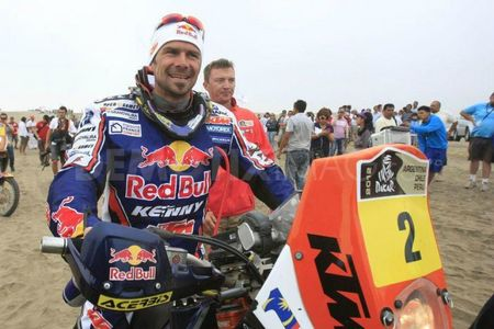 cyril-despres-vainqueur-de-la-categorie-moto