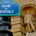 Rue de Rivoli, musée du Louvre .