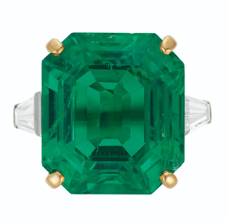 2021_NYR_19929_0215_000(cartier_emerald_and_diamond_ring_d6312315055309)