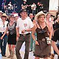 Quelques pas de dance malgré la chaleur !
