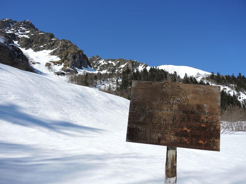 E) Lac d'Er, panneau patou