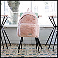 Padded pak'r pink fur - sac à dos fausse fourrure rose - eastpak