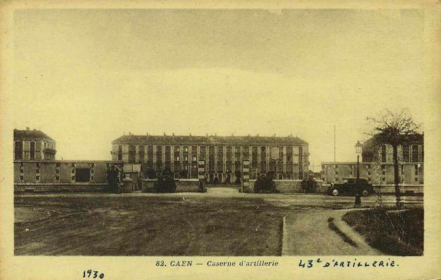 02 Caen, Quartier Claude Decaen, l'entrée principale, vers 1930