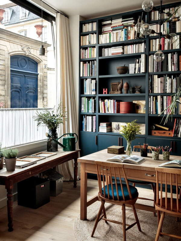 camille-hermand-library-paris-hervier-goluza-photo-8a-1466x1955