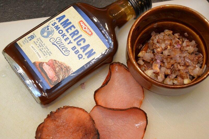 american sauce barbecue, préparation pour hamburger